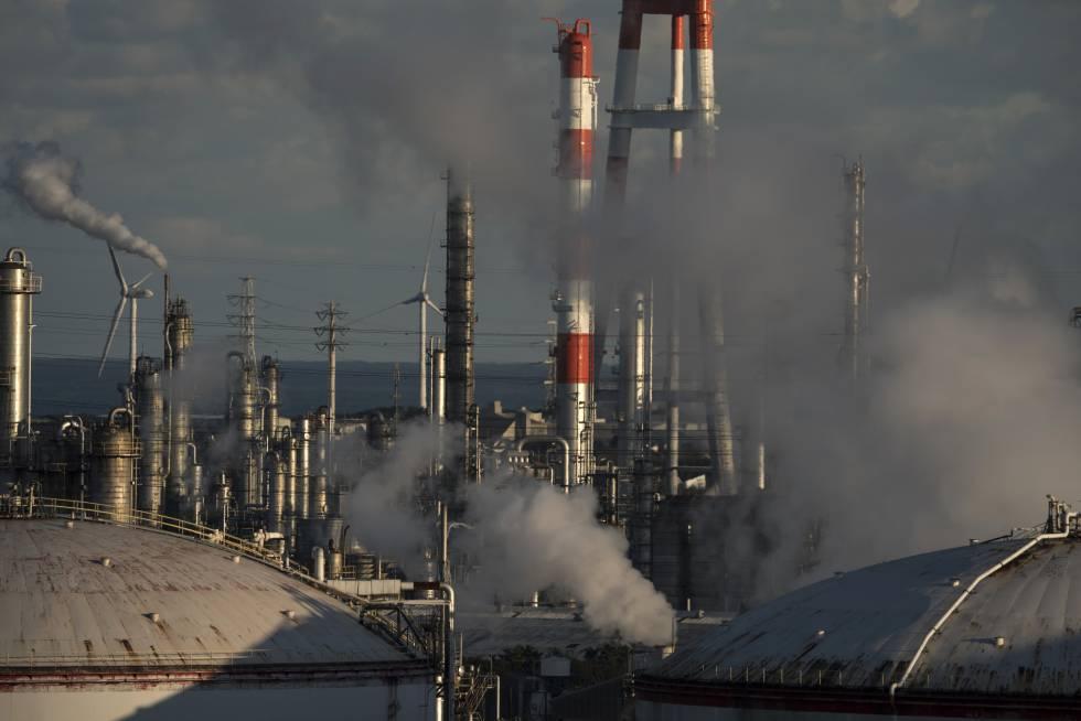 Refinería de petróleo en Kamisu, en Japón.