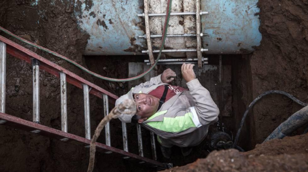 Reparación de una tubería de 1,20 metros de diámetro en Ciudad de México.