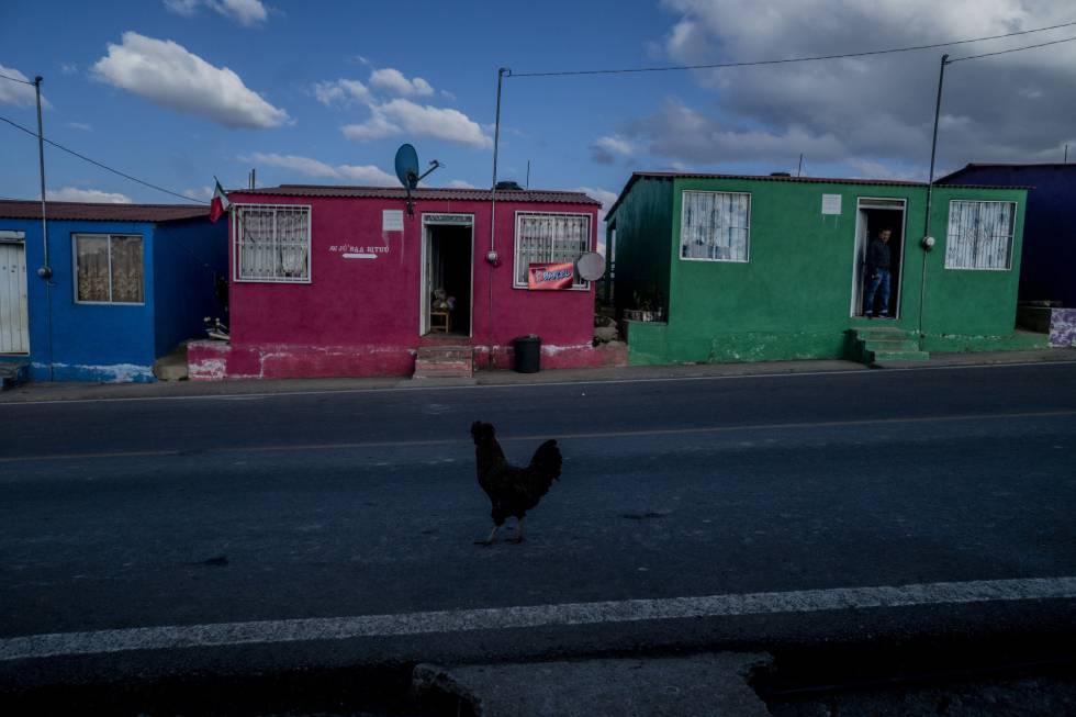 Casas para reubicar a los desplazados de la comunidad de La Lucerna.