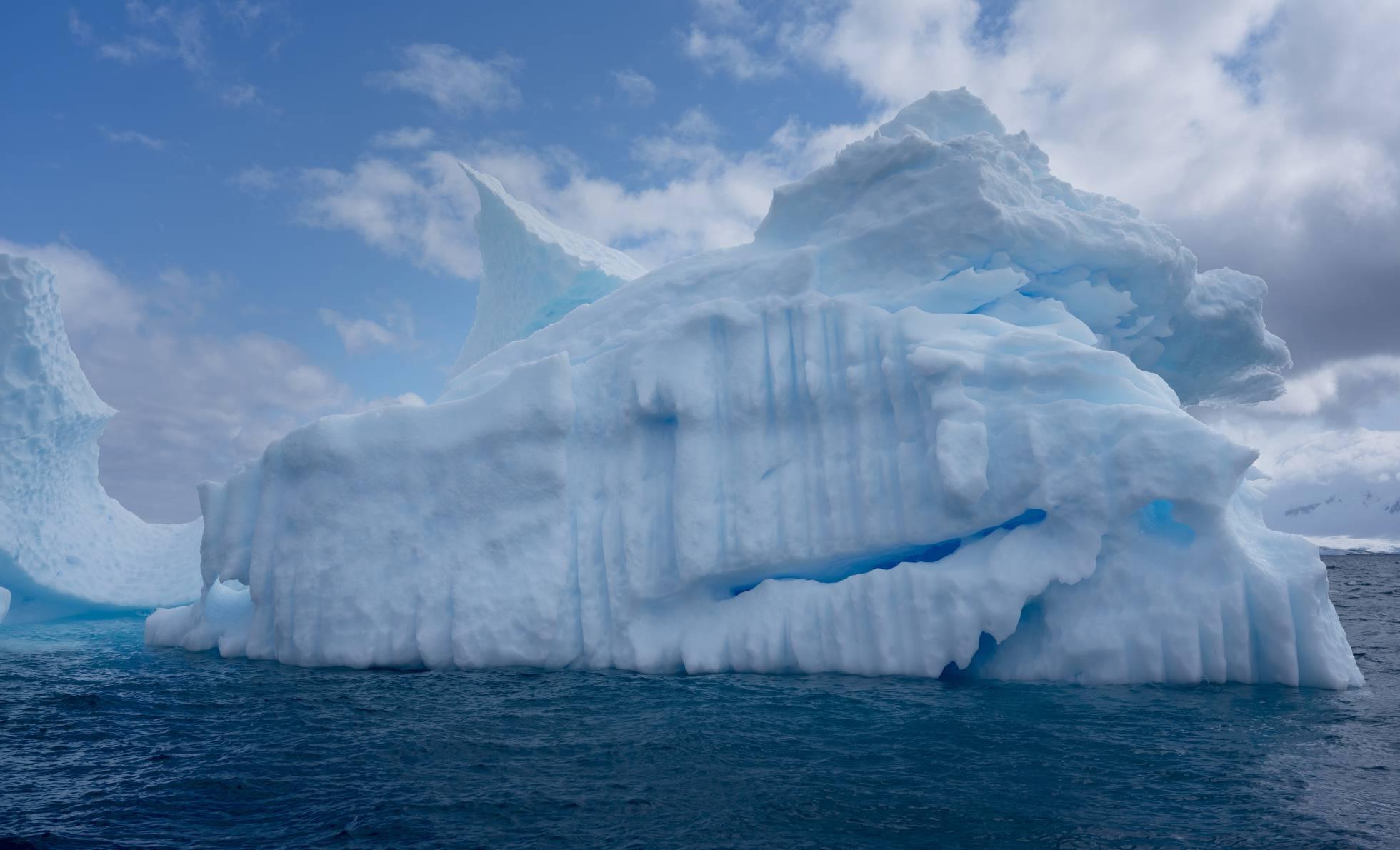 Un iceberg en la Antártida. ABBIE TRAYLER-SMITH (GREENPEACE)