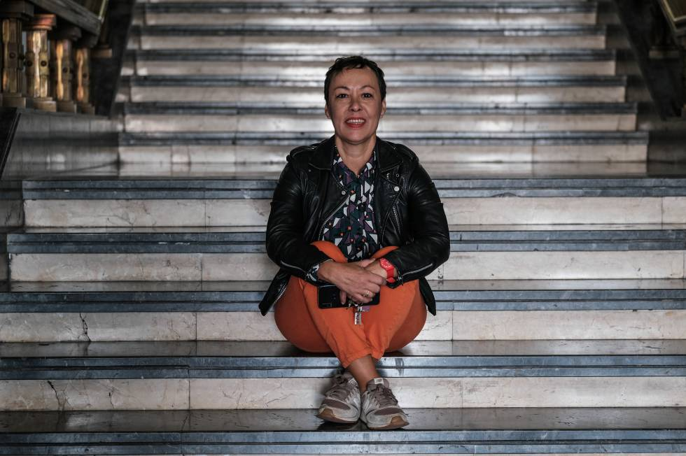 Carmen Pérez, socióloga, en la Universidad de La Laguna, recuperada de un cáncer de mama.