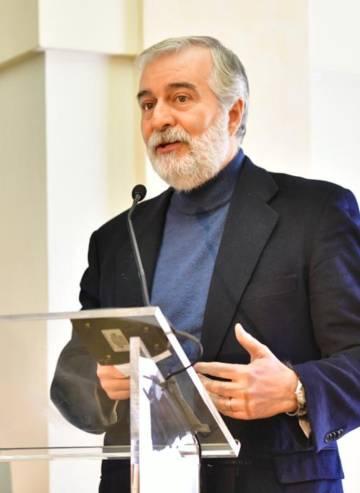 Ángel Gil de Miguel, Professor of Preventive Medicine and Public Health.