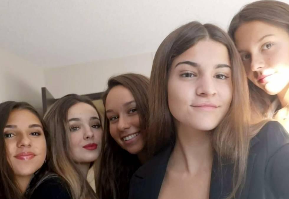 De izquierda a derecha, Sandra Caamaño, Nuria Villoria, Paula Fernández, Lucía Adrián y Lucía Fernández.