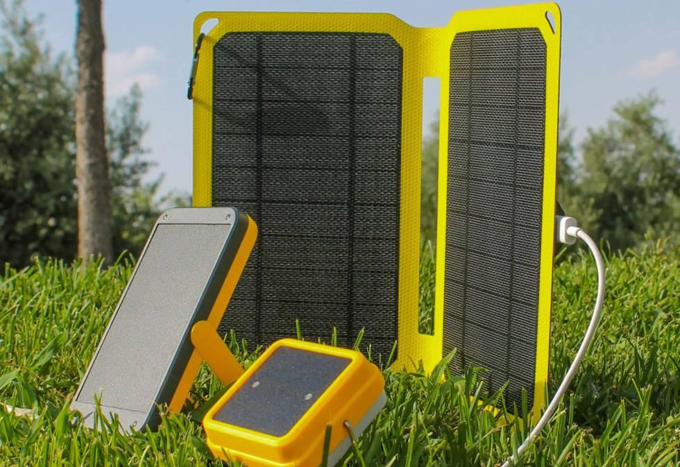 'Solar Cube', 'Solar Panel' y 'Solar Bank', productos de venta en la tienda de Light Humanity.