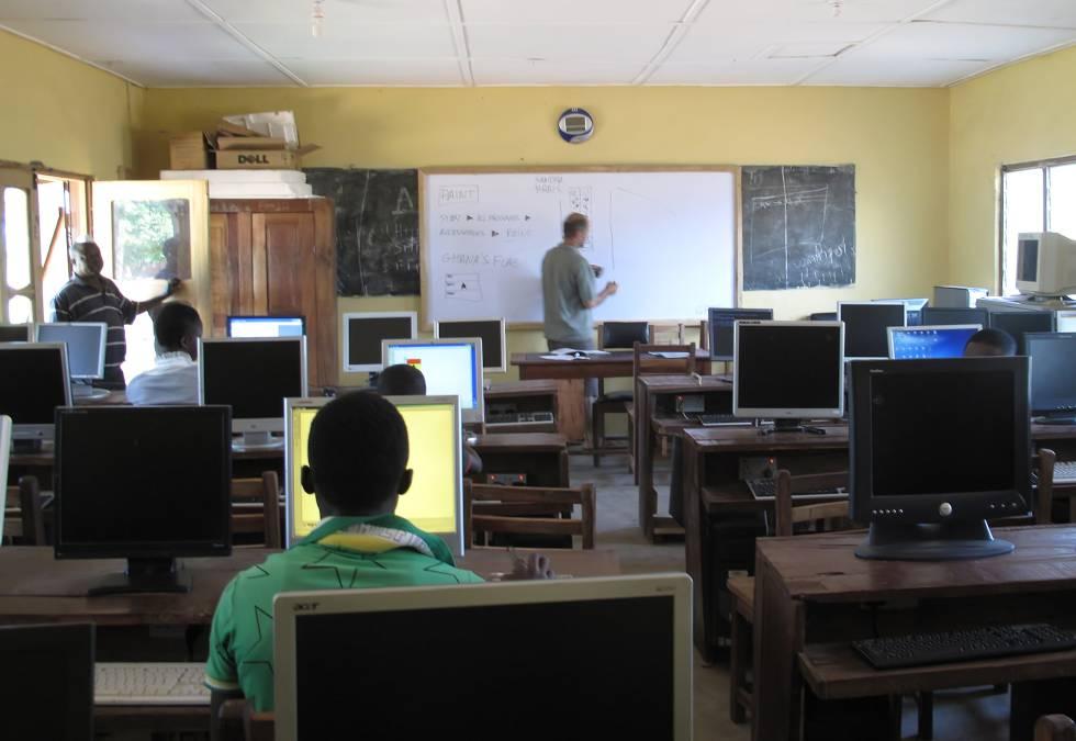 Una de las aulas de Nasco en Ghana.