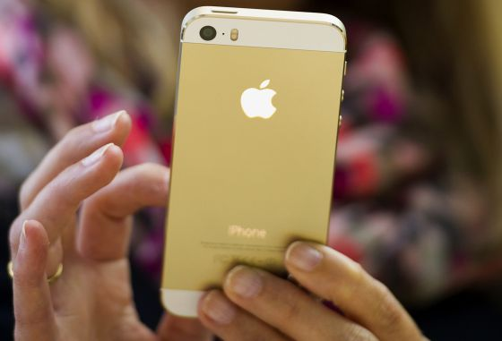 El iPhone 5S dorado.