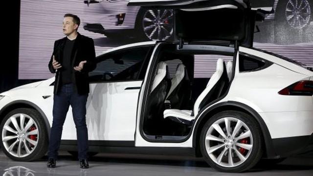 Tesla Model X, un coche con alas