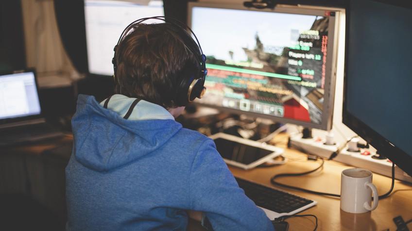 O menino de 12 anos que gastou 100.000 euros no YouTube