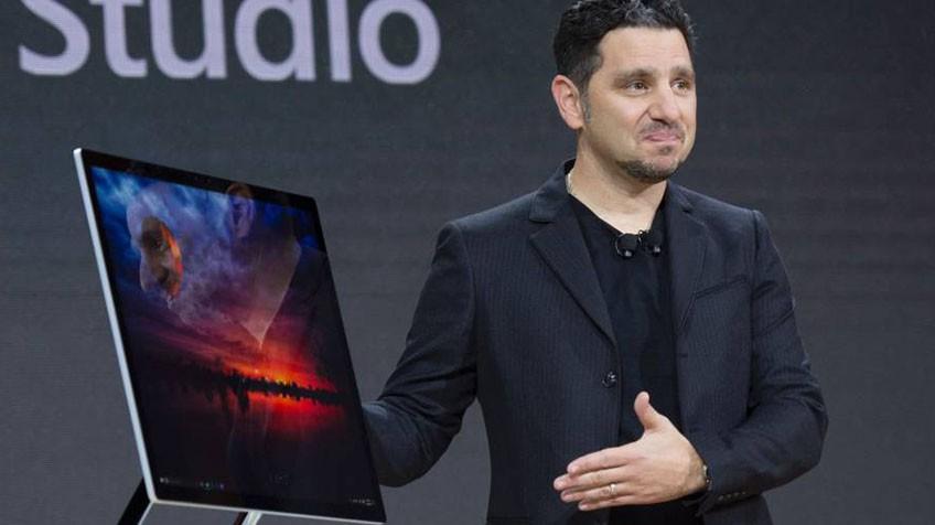 Panos Panay na apresentação do Surface Studio