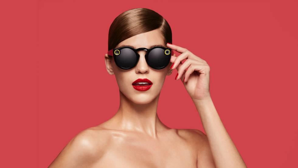 3f981fbe676 Spectacles têm aparência de complemento de moda.