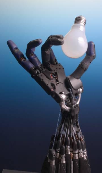 Las manos de Shadow Robot se adaptan a la forma de los objetos con le presión exacta.