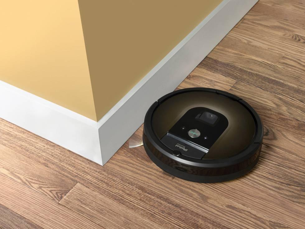 El modelo 980 de Roomba, que incluye una cámara para registrar la situación del hogar.