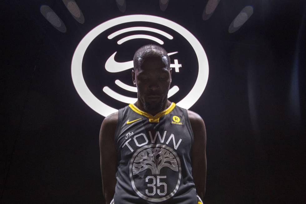 Nike conecta la camiseta de la NBA con los fans  136b864d0a376