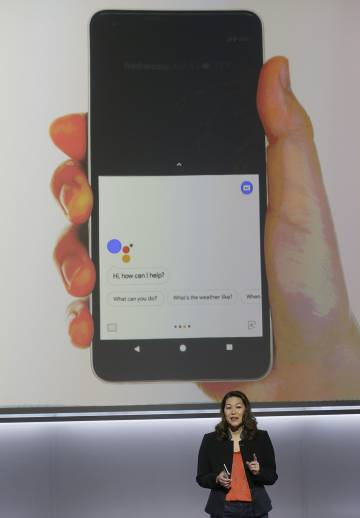 Sabrina Ellis, de Google, explica las cualidades del Google Pixel 2.