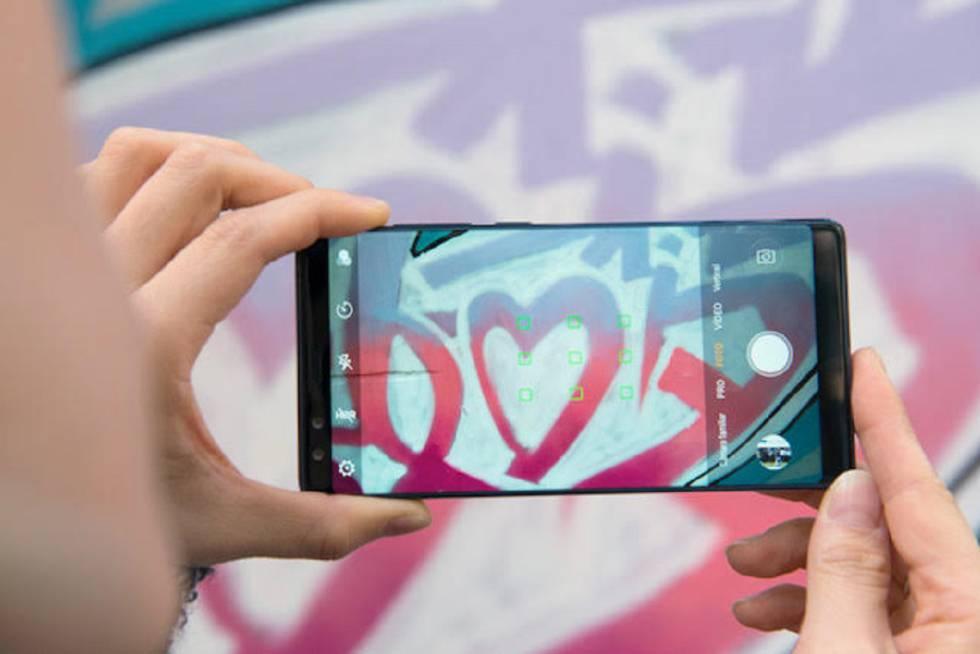 La china Nubia recrudece la guerra de los móviles de \'pantalla ...
