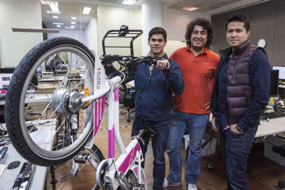 Rogelio Garduño, director de proyectos; Jorge Barrón, director de marketing; Abraham Torres, director de ingeniería de Vectrobikes.
