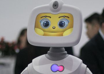 El robot Robelf en un stand del Mobile World Congress.