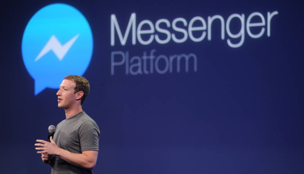 Mark Zuckerberg junto al logo de Facebook Messenger.