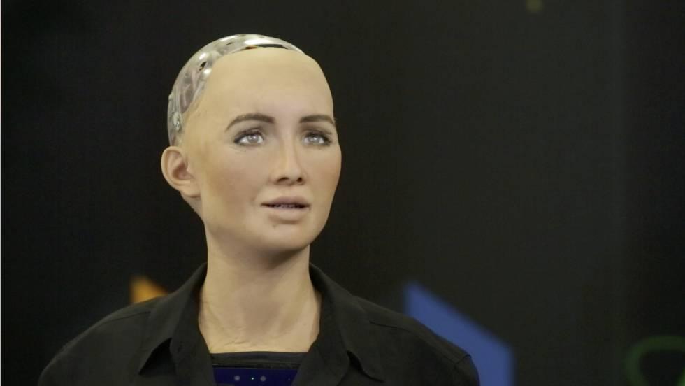 O robô Sophia, durante a entrevista com EL PAÍS.