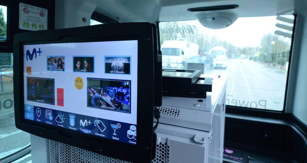 Interior del minibús autónomo con 5G estrenado este miércoles en Talavera de la Reina.