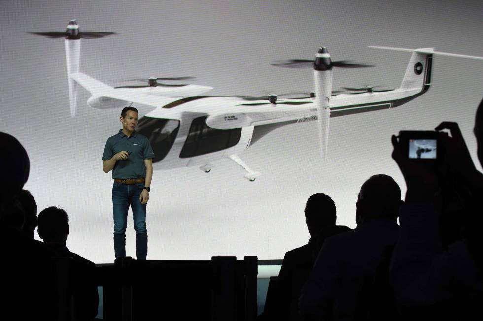 Jeff Holden, jefe de producto de Uber, durante la presentación en Los Ángeles.