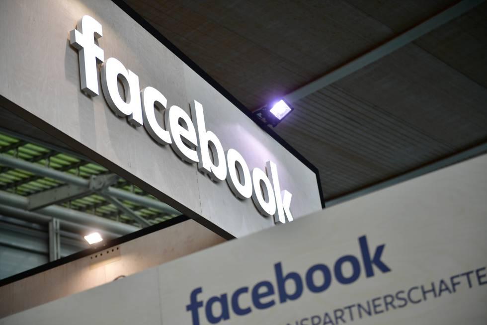 Logotipo do Facebook na feira CEBIT, em Hannover, na terça-feira desta semana