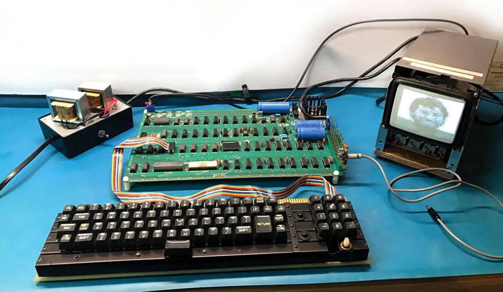 ecef9c185ec Ordenador Apple 1 en subasta y por el que se espera conseguir un precio de  venta