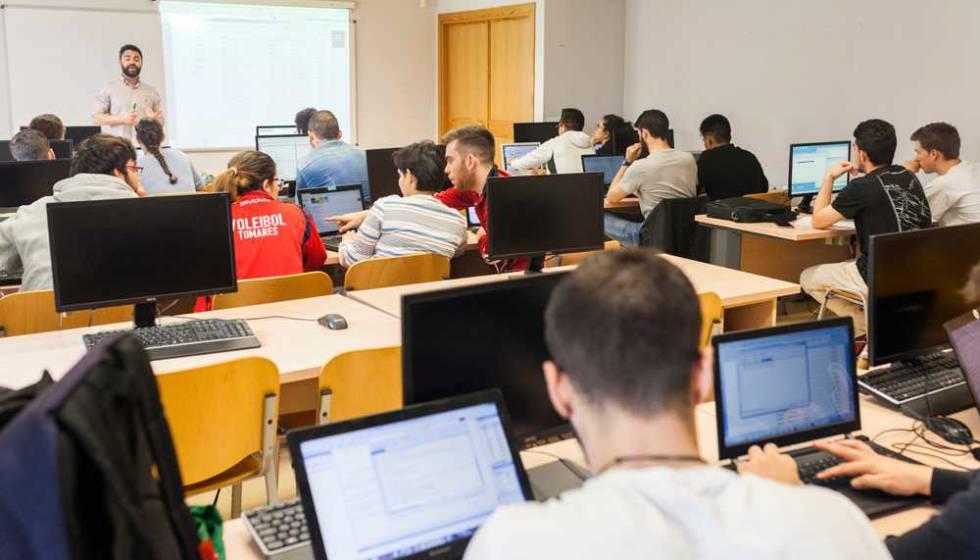 Estudiantes de informática en la Universidad Pablo de Olavide de Sevilla.