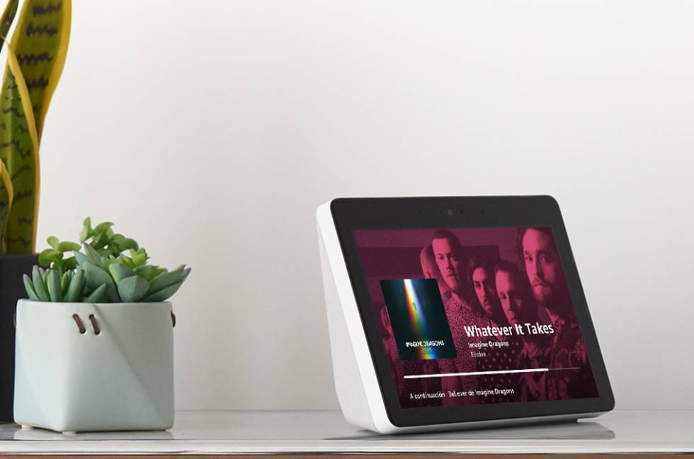 Amazon lanza su asistente virtual con pantalla con el que realizar videollamadas y ver películas