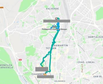 Ejemplo del Historial de Localización de Google. La información incluye el medio de transporte más probable y las direcciones donde el usuario se detiene.