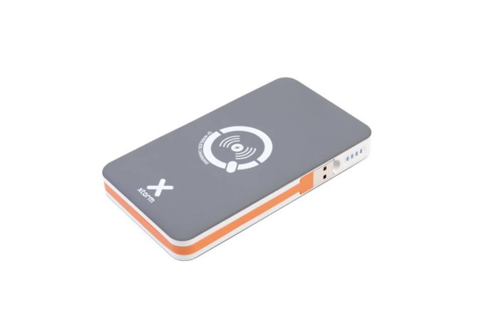 6f528ec3b04 Batería portátil con capacidad de 8.000 mAh —equivalente a unas tres cargas  de un smartphone