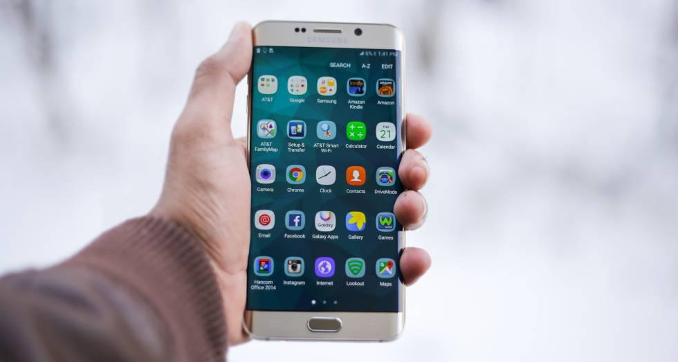 Cómo saber cuándo una 'app' accede a la ubicación, la cámara o el micrófono del móvil