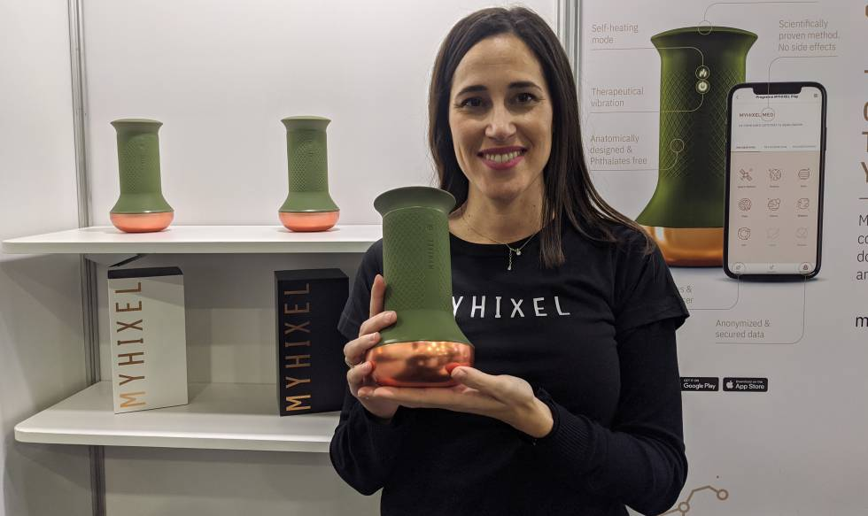 Patricia López, CEO of Myhixel, with a device to control premature ejaculation