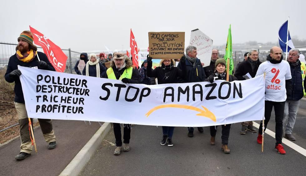 Motín en Amazon: 357 empleados de 'cuello blanco' critican en medios su política climática
