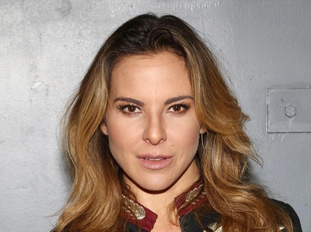 qui u00e9n es kate del castillo  la actriz mexicana que