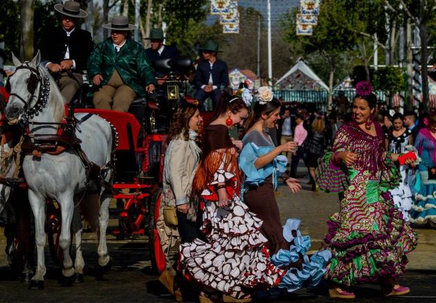 De Dice Lo País Que El Verne Feria La Marabunta En Abril Sevilla YZ5ZR