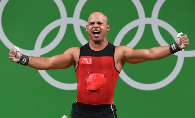Resultado de imagen para fotos deportistas mexicanos con uniformes parchados