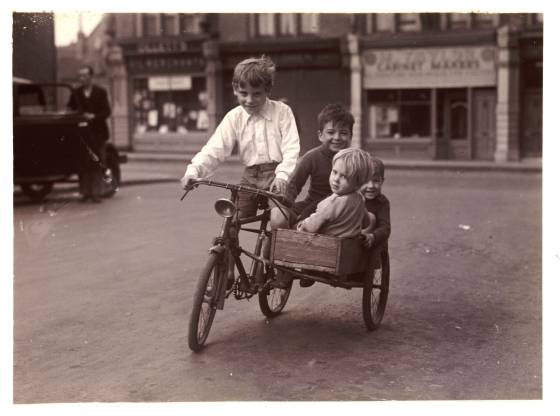 Bicicleta com 'sidecar' dos anos 30