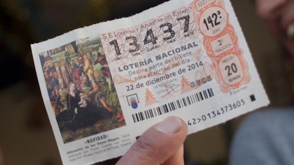 Resultado de imagen de mujer premio lotería