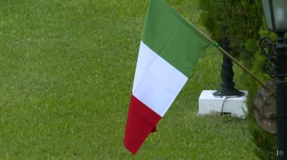 Por Que Paraguay Coloco Banderas De Mexico Sin El Escudo Nacional Verne Mexico El Pais