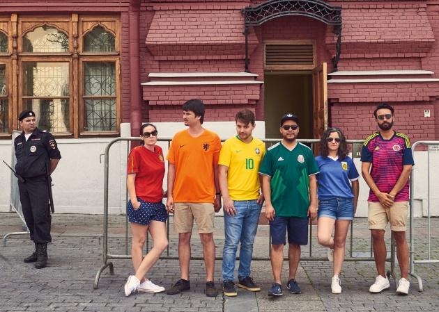 Es un símbolo prohibido por la ley rusa contra la propaganda homosexual