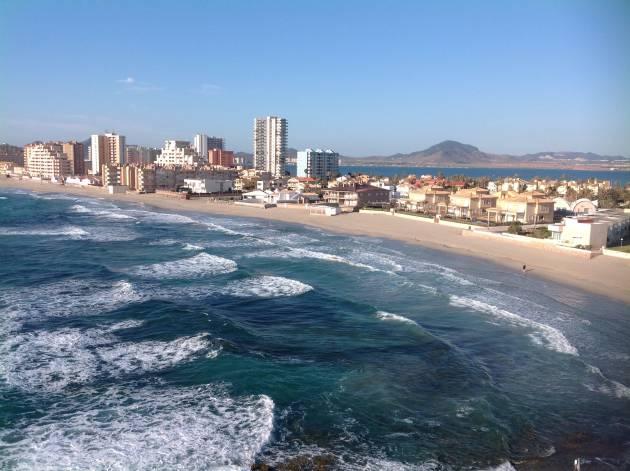 'Playa Burbuja': 15.000 kilómetros en ruta para explicar el 'boom' del ladrillo en el Mediterráneo