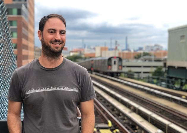 Soy un guía del Bronx y muchos españoles vienen buscando unas calles que solo existían en las películas