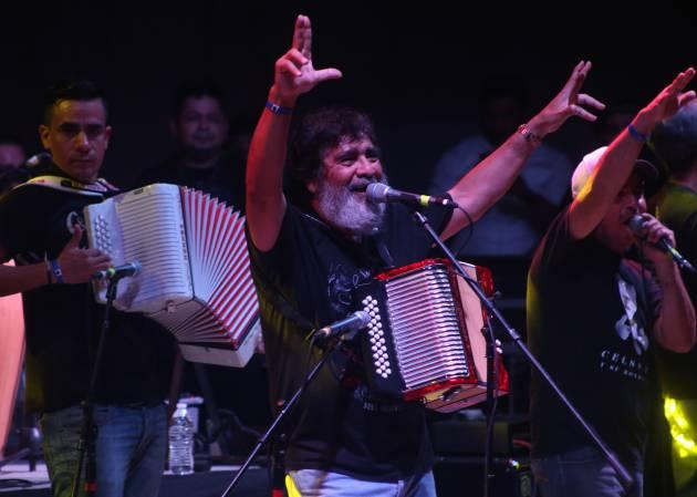 7 colaboraciones por las que recordar a Celso Piña, 'El rebelde del acordeón'