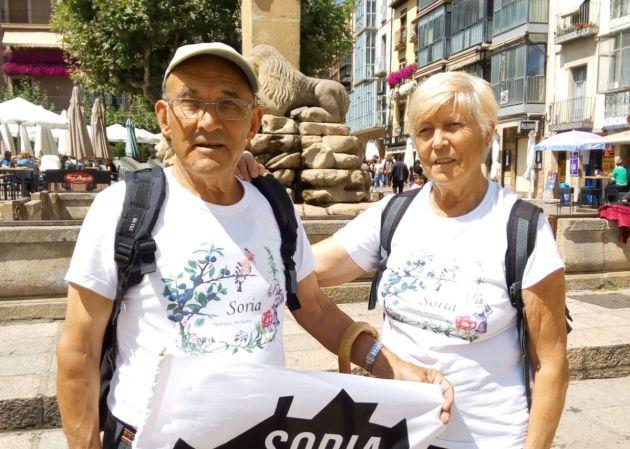 Protestar con los pies: la caminata de Caty y Juan Antonio en defensa de la España rural