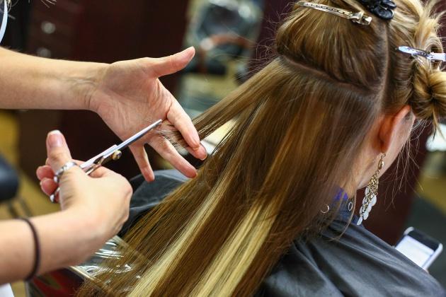 Confesiones de peluqueros: todo lo que odian de ti | Verne EL PAÍS
