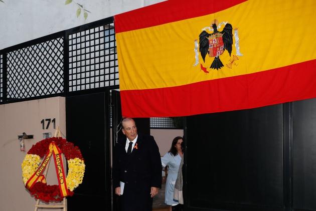Franco Es Ilegal Exhibir La Bandera Franquista Verne El País