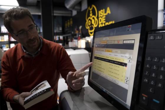1580143836 716071 1580144656 sumario normal - 'Dragona', la máquina que imprime libros a la carta en menos de diez minutos
